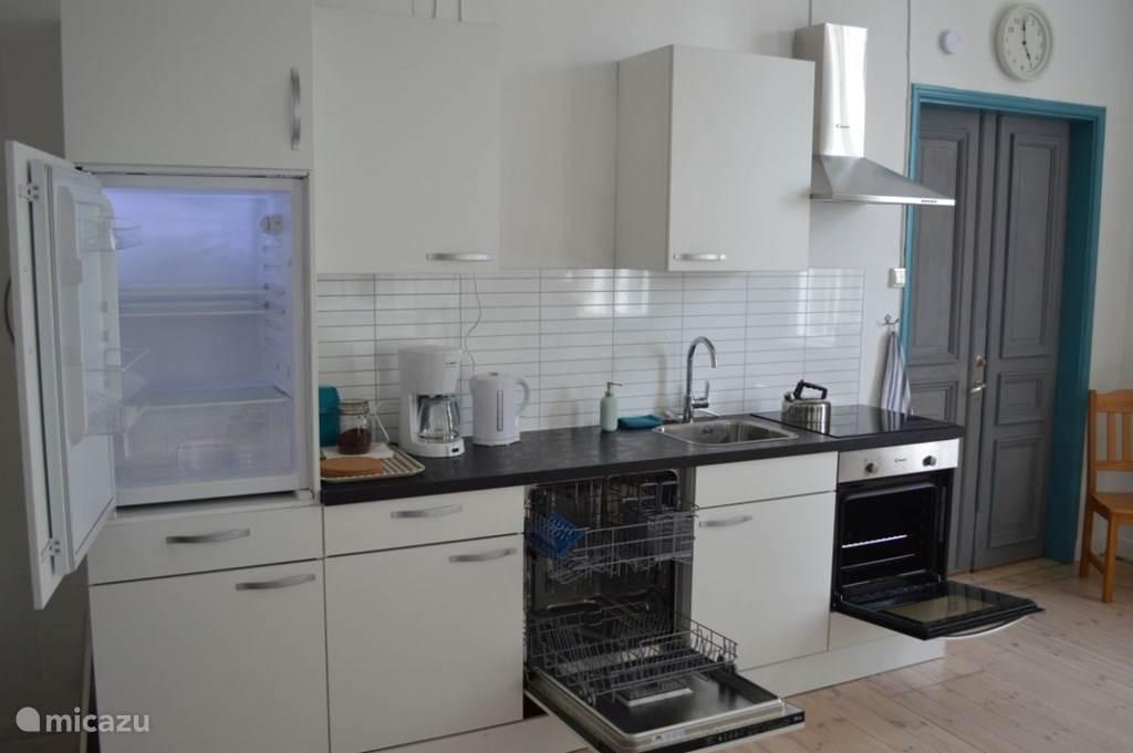 Luxe keuken met alle inbouwapparatuur