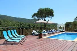 Heerlijke complete en warm ingerichte vakantie villa aan de Costa Brava!  Zeer scherpe last minute prijs vanaf 25 augustus nog enkele weken vrij!