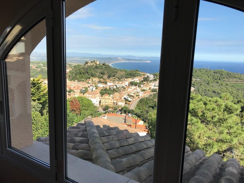 Villa bona vista in begur costa brava spanje huren - Strand zwembad natuursteen ...