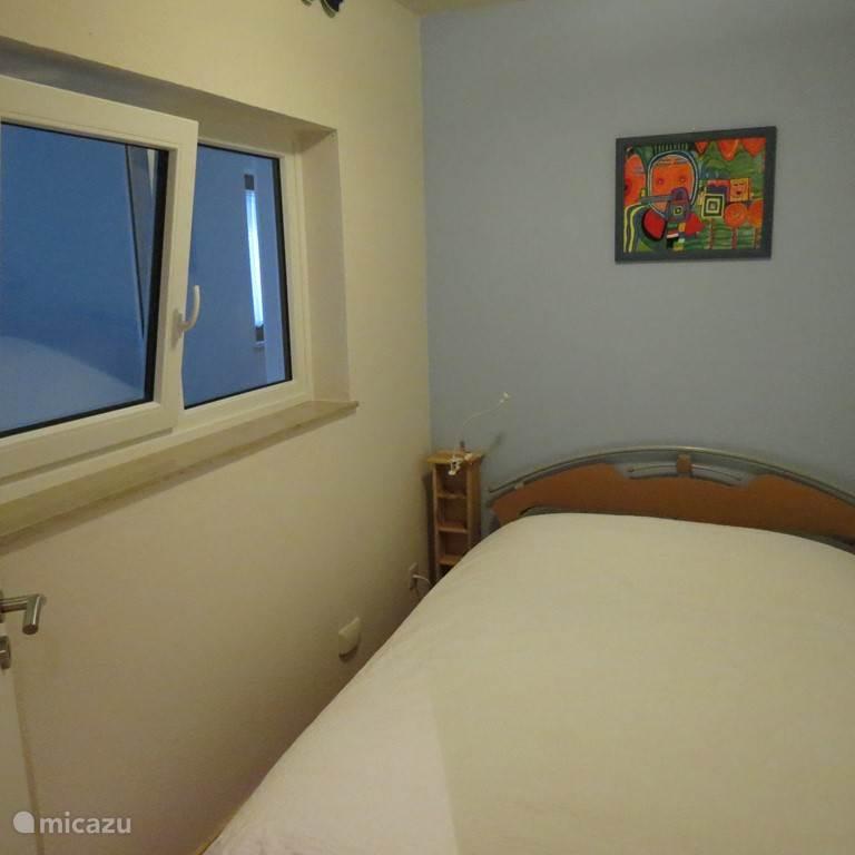 slaapkamer 2 met een 2-persoonsbed