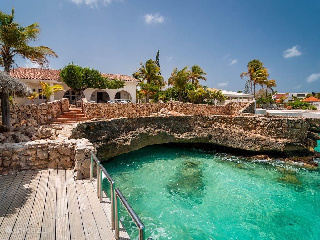 Vakantiehuis Bonaire, Bonaire, Belnem villa Luxe villa aan zee