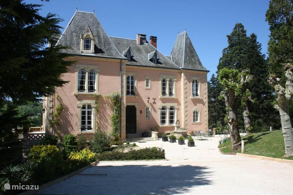 Vacation rental France, Dordogne, Brive villa Chateau Charme du Bois