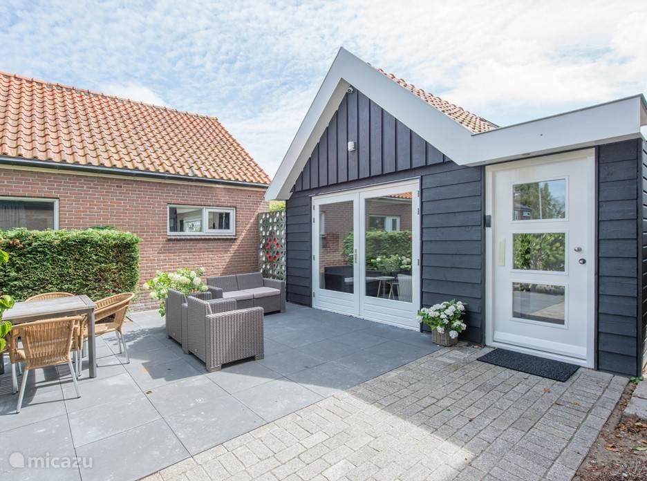 Vakantiehuis Nederland, Noord-Holland, Groet vakantiehuis Vrijstaand zomerhuis, nieuw en luxe