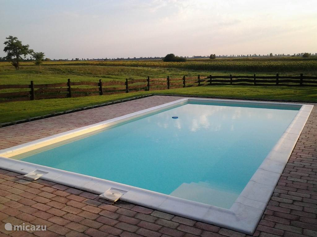 Het prachtige uitzicht vanaf het zwembad