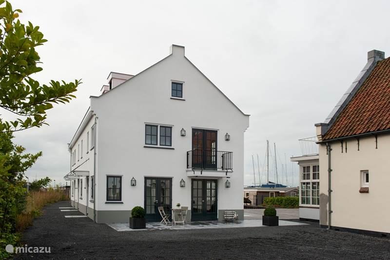ferienhaus luxus haus auf dem wasser 8p in loosdrecht nordholland niederlande mieten micazu. Black Bedroom Furniture Sets. Home Design Ideas