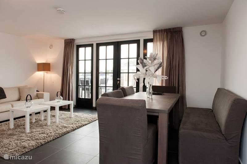 Vakantiehuis Nederland, Noord-Holland, Loosdrecht Vakantiehuis Luxe huis aan het water (8p)