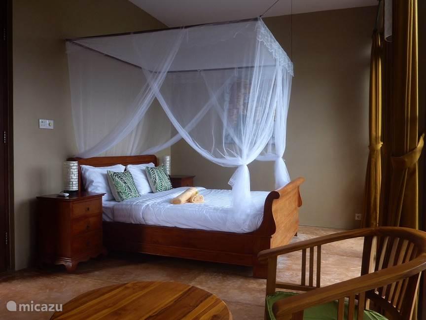 Mooie 2p. kamer met Queen-size Hemelbed