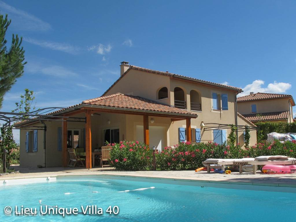 Vacation rental France, Ardèche, Vallon-Pont-d'Arc villa Villa 40 Location Unique