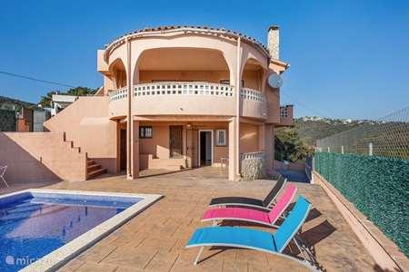 Vakantiehuis Spanje, Costa Brava, Lloret de Mar villa Villa Laurel met zeezicht & zwembad