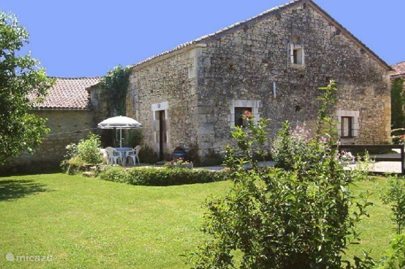 Vacation rental France, Dordogne, Mareuil-sur-Belle Holiday house Holiday cottage La Dronne (4 pers.)