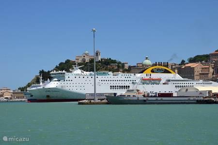 Cruise terminal en jachthaven Ancona, le Marche