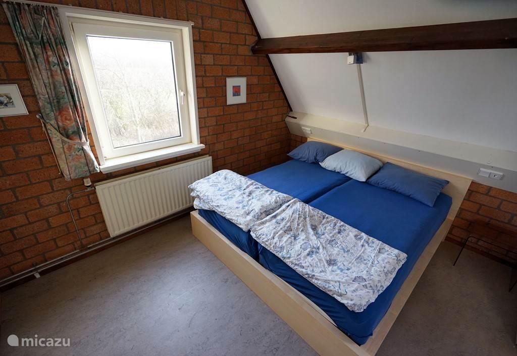 Slaapkamer 2 (1e verdieping)