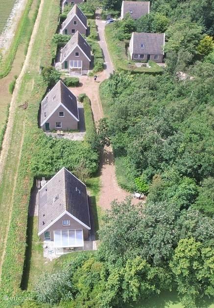 Lucht foto bungalow NR 10