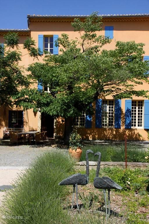 Onze Grand Gîte de Marotte met zijn eigen binnenplaats, beschut van de wind.