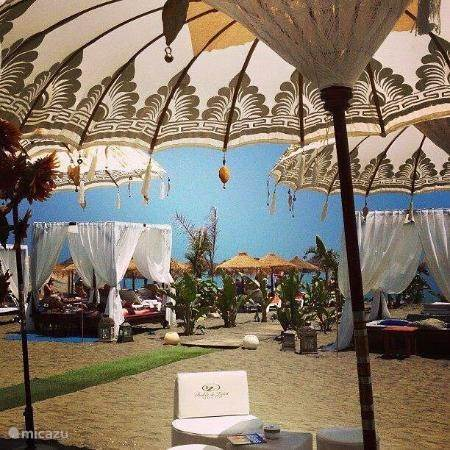Strand paviljoen
