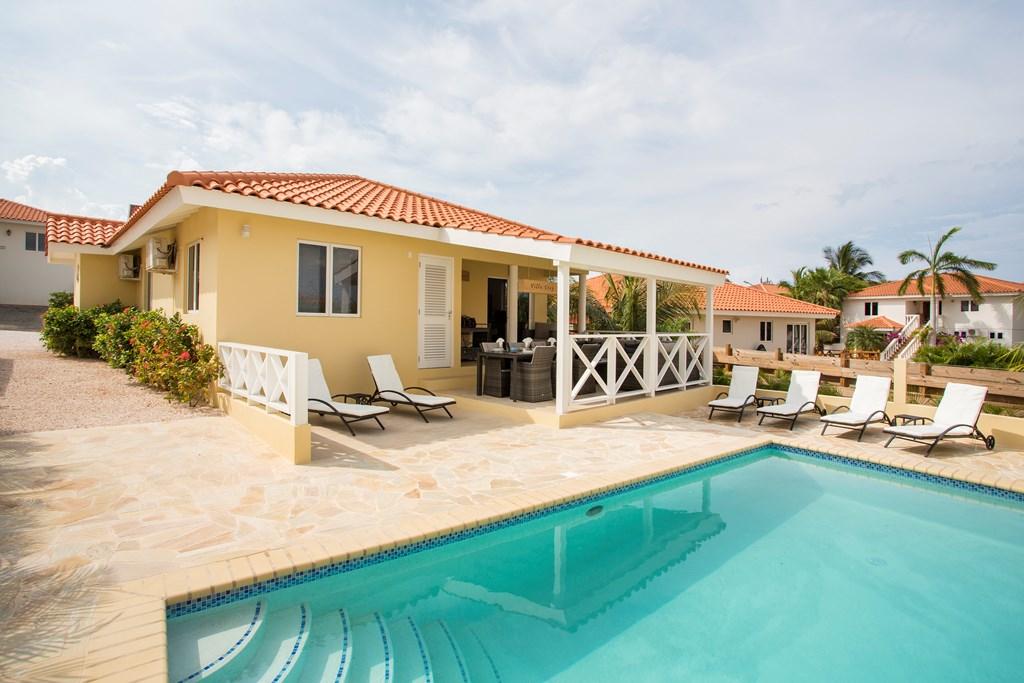 Voor de maand juni extra korting voor deze mooie villa met privezwembad. 735€/per week ipv 875€/per week. Wees er snel bij !!