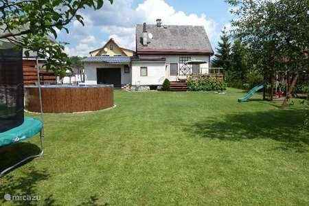 Vakantiehuis Tsjechië, Reuzengebergte, Vrchlabi vakantiehuis Vrchlabi met GROTE tuin en sauna