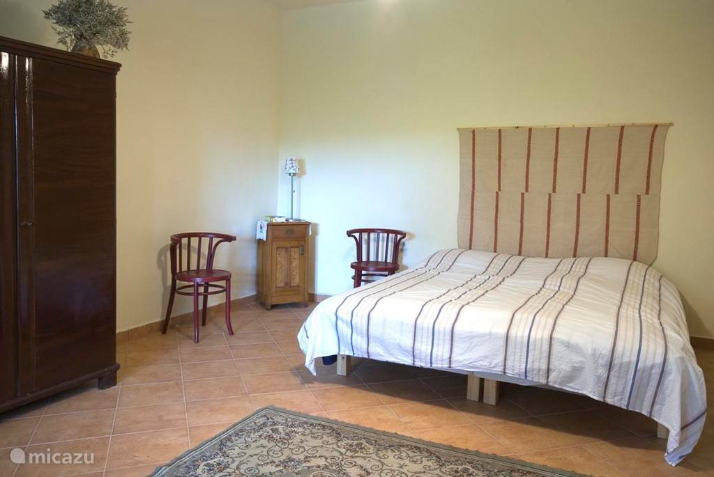 ouder slaapkamer met dubbel bed