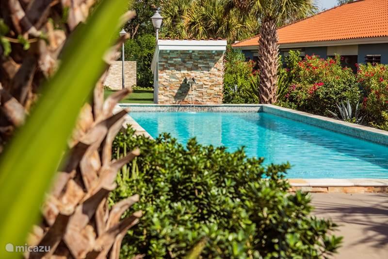 Vacation rental Curaçao, Curacao-Middle, Boca St. Michiel Bungalow Blije Rust 13 'Casa Blou Curacao'