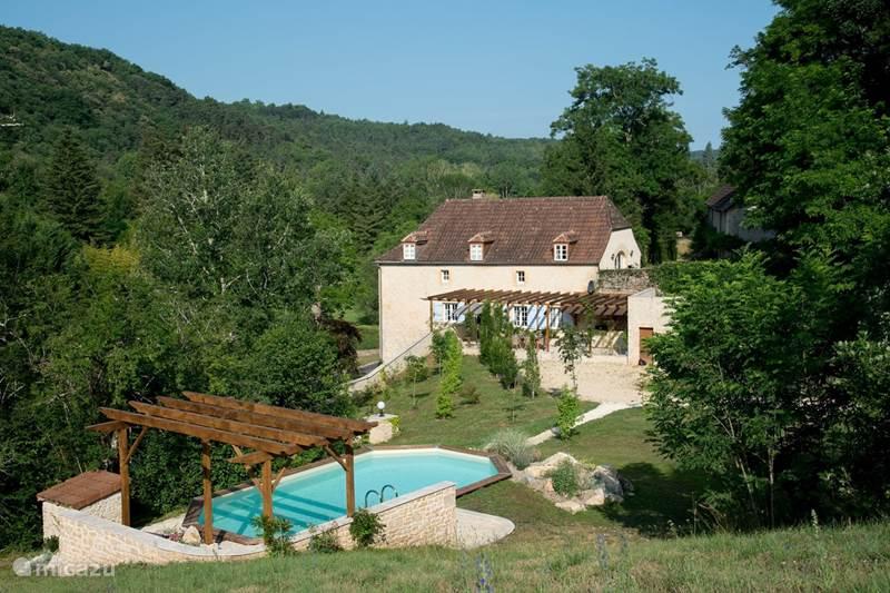 Vacation rental France, Dordogne, Auriac du Perigord Holiday house Maison du Cèdre