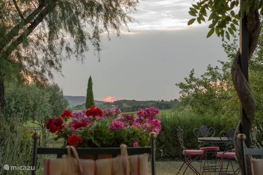 Vacation rental France, Provence, Faucon holiday house Villa La Fontaine