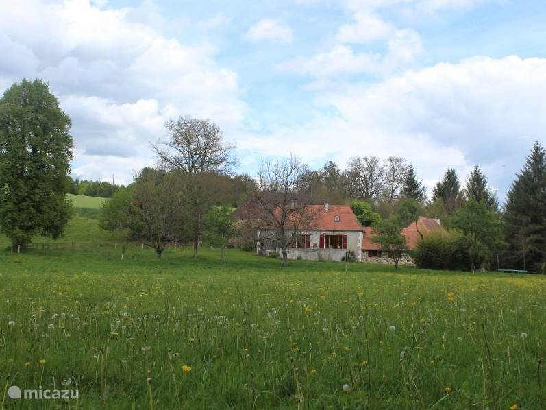 Vacation rental France, Dordogne, Sarrazac farmhouse Gengiraud