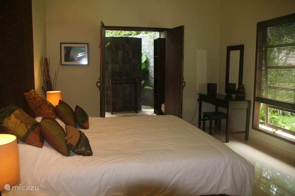 derde slaapkamer met kingsize bed