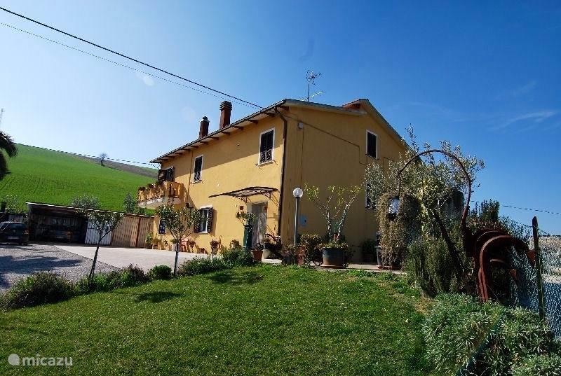 Vakantiehuis Italië, Marche, Carassai Appartement Casa MiYo: appartement Olive
