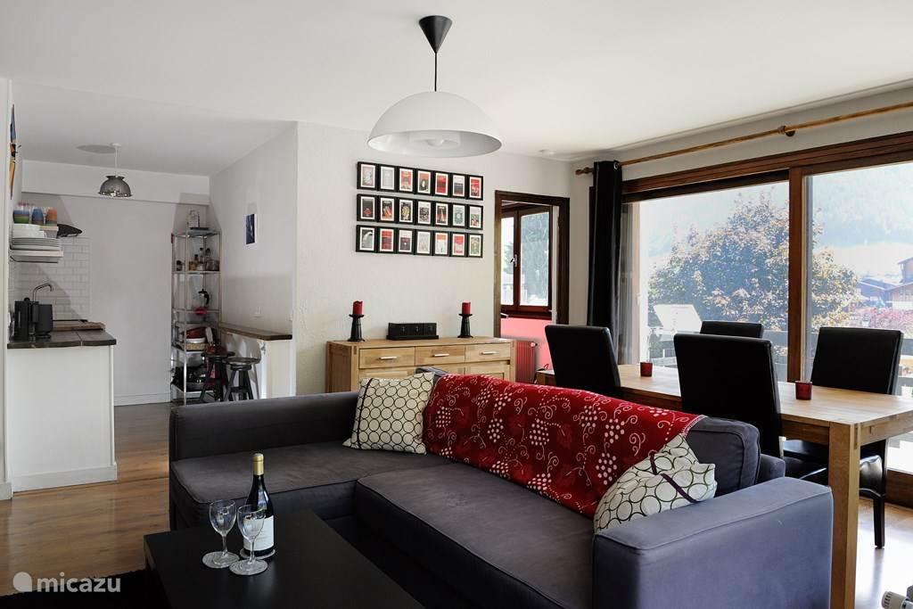 Het appartement is praktisch ingedeeld en oogt ruim.