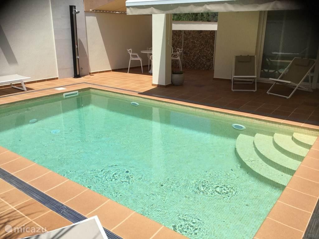 Verwarmd zoutwater zwembad