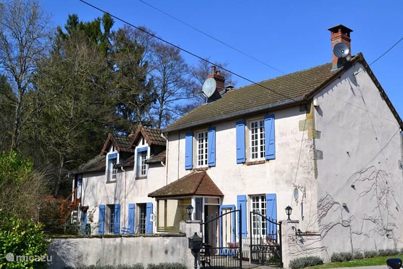 Vakantiehuis Frankrijk, Saône-et-Loire, Lucenay-l'Évêque Villa La Maison Jouvenaar ***