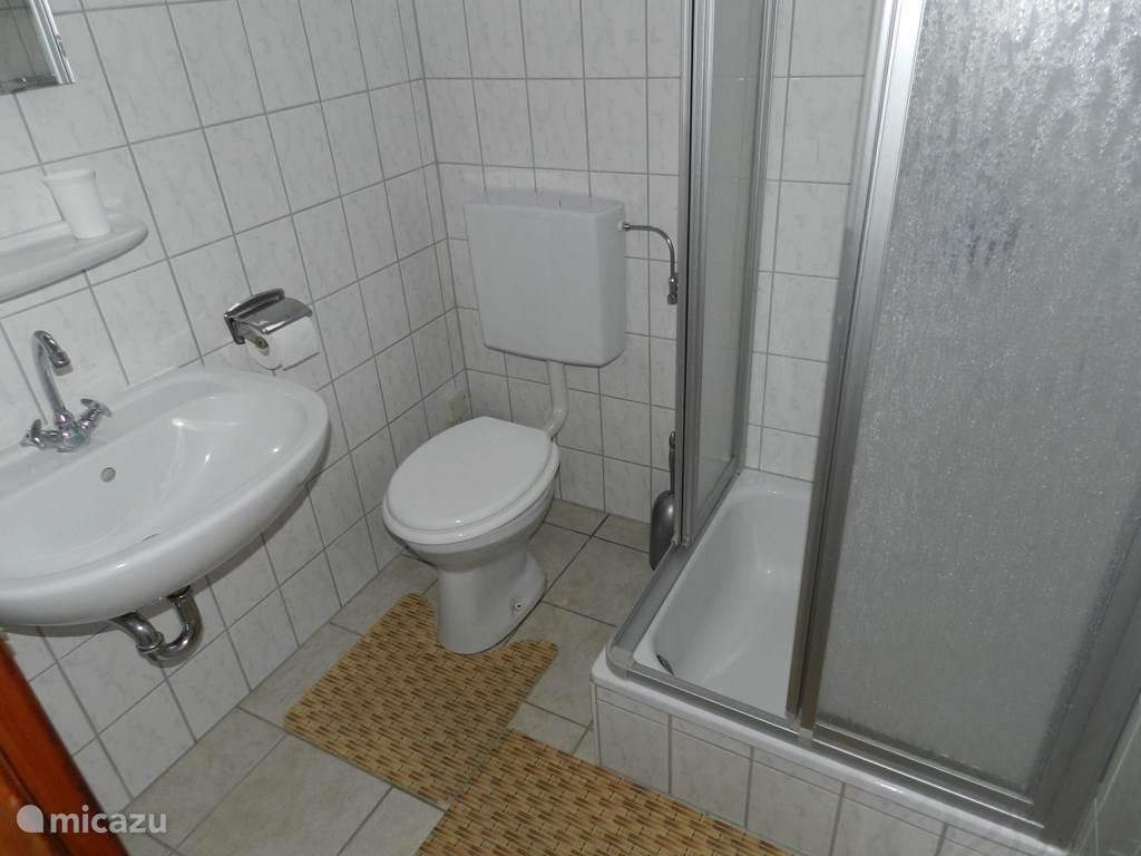 Douche, toilet