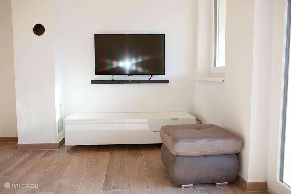Satelliet TV en Soundbar (bluetooth+internet)