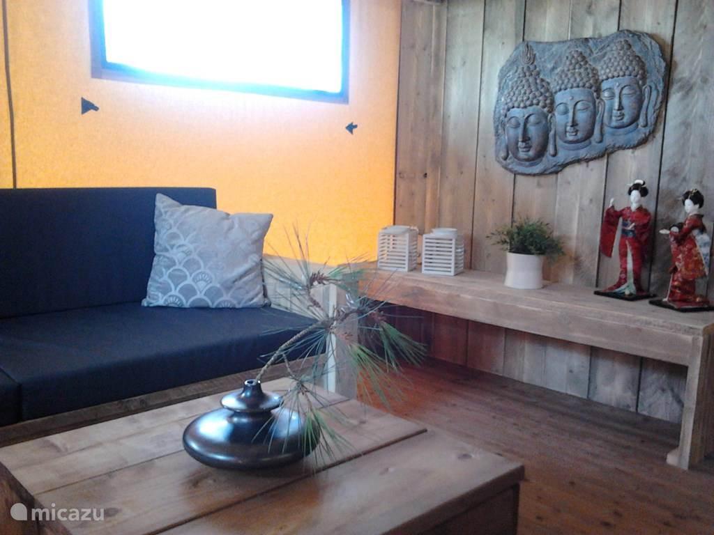 Woon-/eetkamer Casa Matsu.