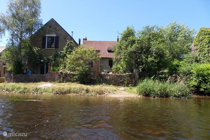 Vakantiehuis Frankrijk, Yonne, Saint-Père-sous-Vézelay Vakantiehuis Vissershuis aan de rivier