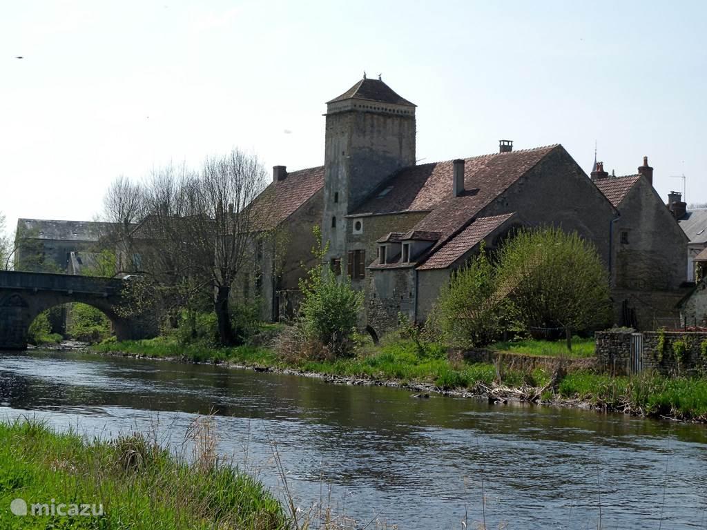 Het visserhuis ligt in een 200 jaar oud dorpje