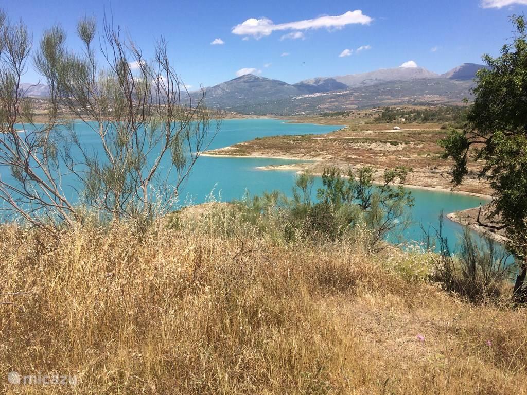 Het stuwmeer van Vinuela (balsa de Vinuela)
