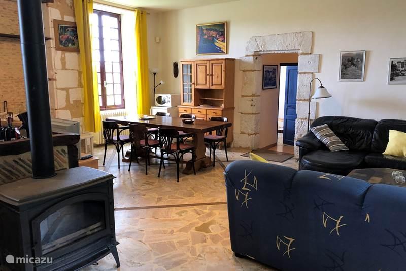 Vacation rental France, Dordogne, Issac Holiday house Le Chasseur du Domaine de Maziéras