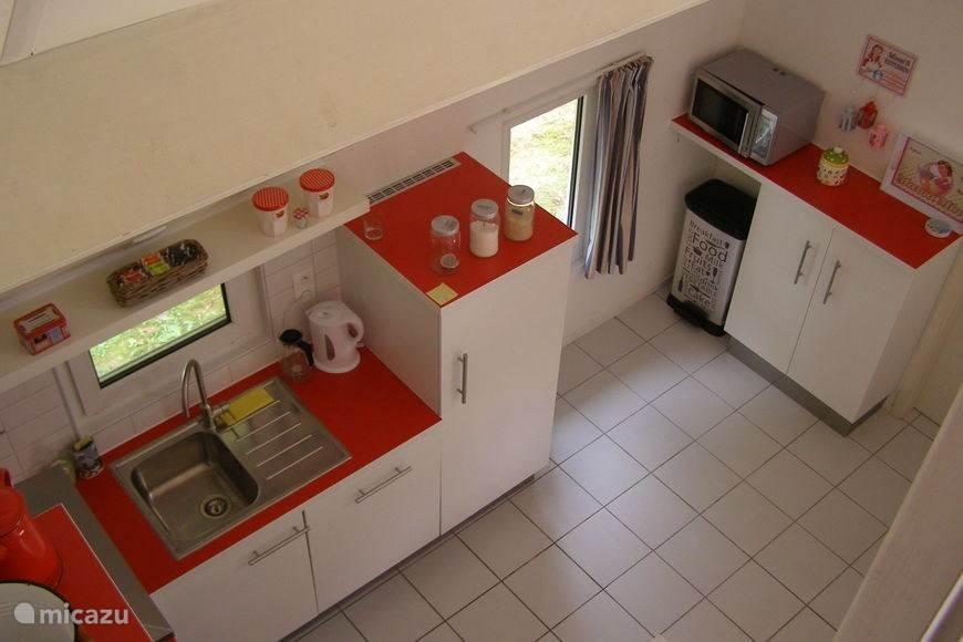 Blik op de keuken