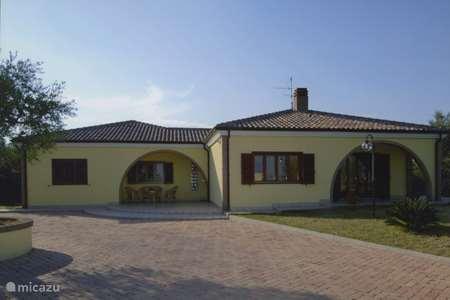 Vakantiehuis Italië, Molise – bungalow Villa Antico Uliveto