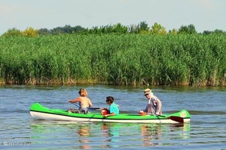 Kanovaren op Tiszameer