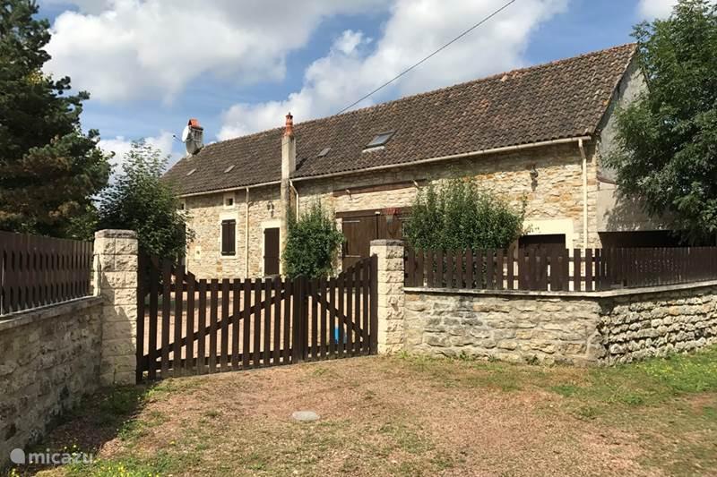 Vakantiehuis Frankrijk, Nièvre, Mont-et-Marré Gîte / Cottage Longère Les Cloiseaux