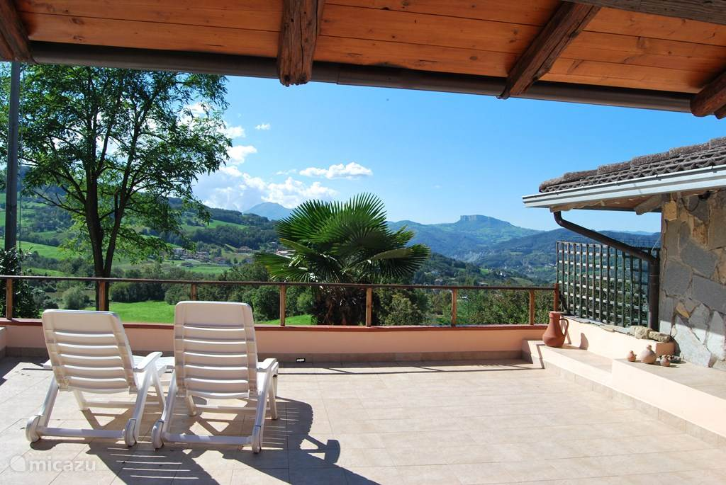 Vacation rental Italy, Emilia-Romagna, Toano terraced house Casa Stiano