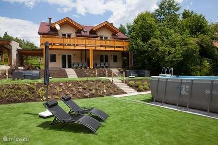 Vakantiehuis Oostenrijk, Karinthië, Arnoldstein vakantiehuis Ferienhaus Glück Auf 1 & 2