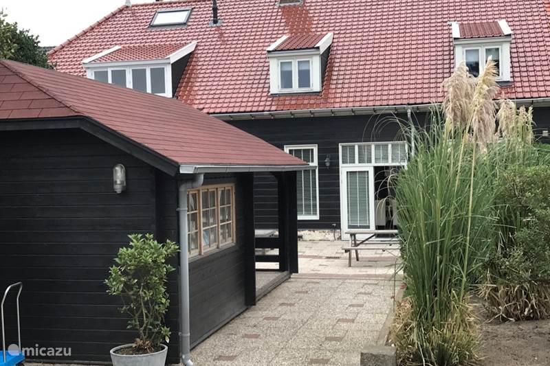 Vakantiehuis Nederland, Noord-Holland, Huisduinen Geschakelde woning Huisje Duinen