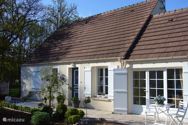 Vacation rental France, Loire, Donnery Holiday house Holiday home golf Orléans-Donnery