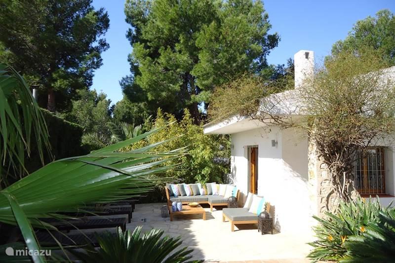 villa villa azul in l 39 ametlla de mar costa dorada spanien mieten micazu. Black Bedroom Furniture Sets. Home Design Ideas