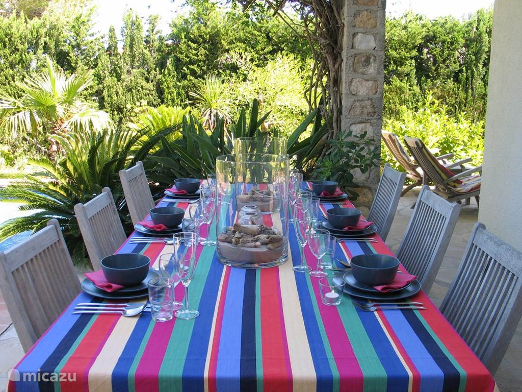 Villa AZUL Calafat Retreats