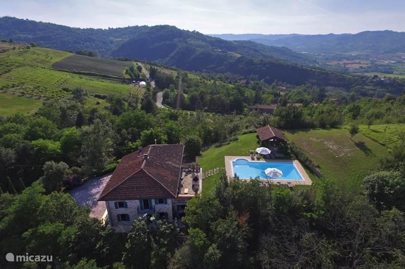 Vakantiehuis Italië, Piëmont, Melazzo Villa Luxe villa Piemonte met zwembad