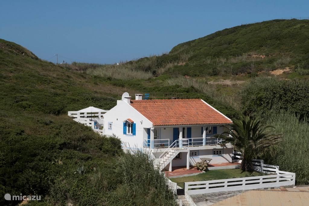 Ons vakantiehuis is heerlijk rustig in de groene heuvels gelegen